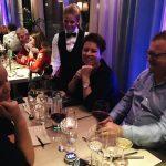 Inbjudna gäster, företagare, kunder och trendsättare testar nya smakupplevelser